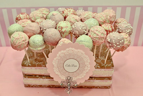 christening-party-pink-brown-vintage-cake-pops-doily-menu-card
